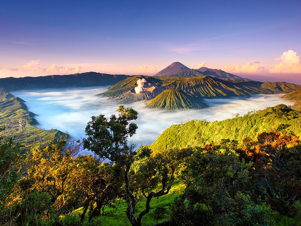 Surabaya Bromo Ijen Malang Yogya Bali Tour Package