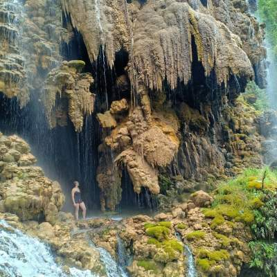 Tetes Cave